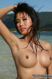 Davon Kim Posing On Beach 01