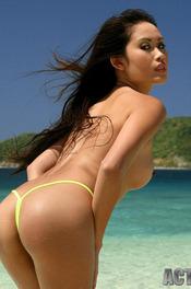 Davon Kim Posing On Beach 04