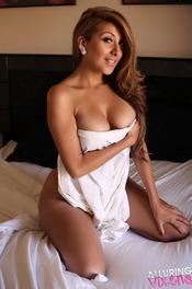 Sophia Teases Naked In Bed 00