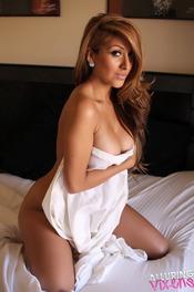 Sophia Teases Naked In Bed 04