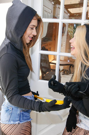 Burglars 00