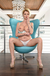 Curvy MILF Joslyn James Strips And Spreads Her Huge Ass 04