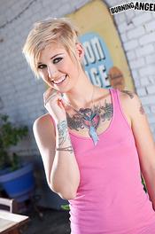 Skinny Tattooed Blonde Kleio 02