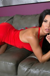 Black Haired Hottie Alexa Tomas Strips On The Couch 01