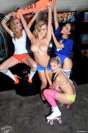 Gamer Girls XXX 10