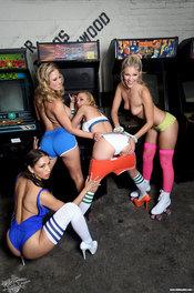 Gamer Girls XXX 14