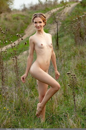 Skinny Blonde Beauty Yayna Is Posing Naked Outdoors 08
