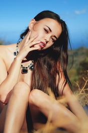 Naked And Beauty Petite Babe Li Moon 10