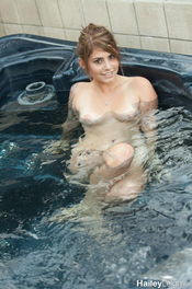 Hot Bath With Hailey Leigh 01