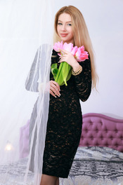 Russian starlet Genevieve Gandi looks absolutely stunning 00