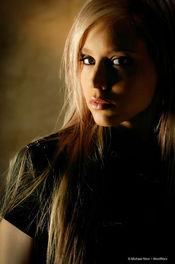 Brea Bennett Naked Blondie 01
