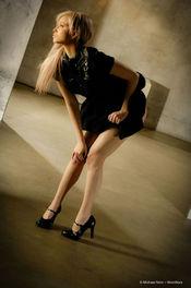 Brea Bennett Naked Blondie 02