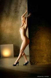 Brea Bennett Naked Blondie 05