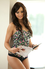 Natasha - Magazine 00