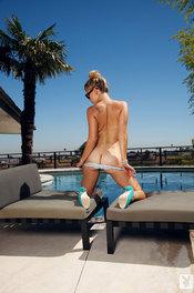 Hot Playboy Amateur Jenni Lynn Sunbahtes 10