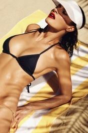 Sun-kissed Samantha Taran 01