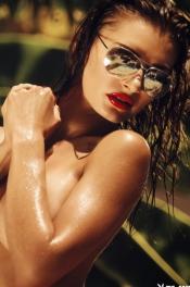 Sun-kissed Samantha Taran 08