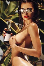 Sun-kissed Samantha Taran 10