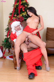 Sexy MILF Pornstar Nikki Capone Fucks With Santa 08