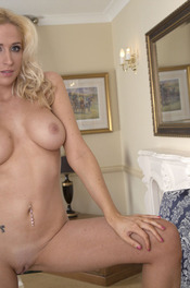 Samantha Alexandra Fingering 06