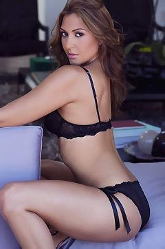 Cybergirl Ariana Loken
