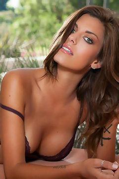 Amber Alexandria Tight Body