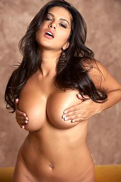 Sunny Leone undressed