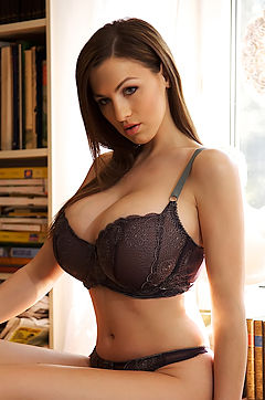 Jordan Carver huge boobs