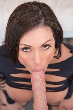 Kendra Lust Stunning Sexy MILF