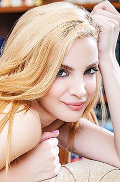 Spanish Model Gemma Tardiani