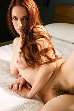 Babes: Titania Lyn