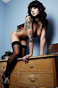 Amazing Tattooed Girl