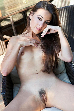 Lorena Flaunts