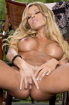 Nicole Graves