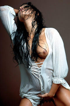 Anetta Keys In Wet Shirt