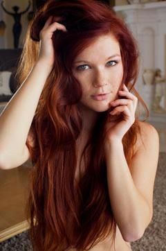 Tempting Redhead Beauty Mia Sollis