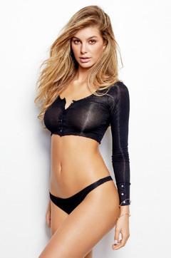 Hot Model Camila Morrone