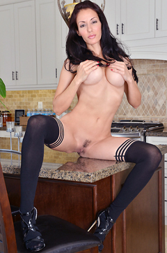 Olivia Bell Spreading Her Pussy