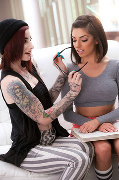 Darcie Dolce And Sheena Rose