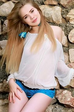 Kally R Gorgeous And So Pretty