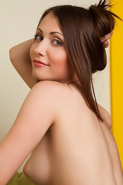 Ynesse Totaly Naked