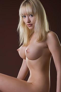 Lia Posing Nude