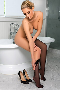 Anna Opsal In Sensual Shower