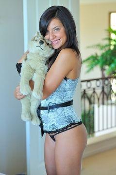 Playful Annalisa