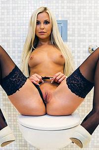 Blonde Angel Lola Myluv