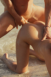 Leila in Sex on the Beach 07